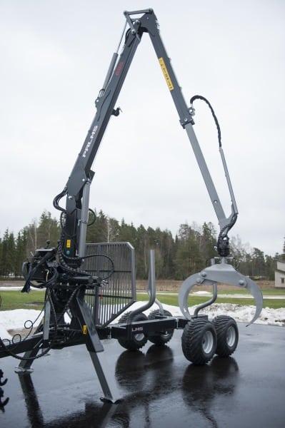 Трактор с гидроманипулятором цена, где купить в Беларуси